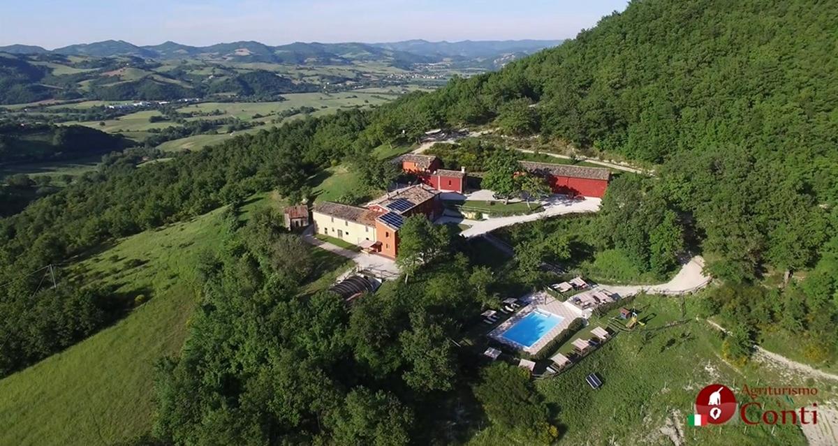 L agriturismo i conti pesaro urbino nelle marche italy - Agriturismo con piscina nelle marche ...