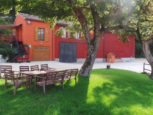 Barn | apartment | house | pool | Italy | marche | acqualagna |
